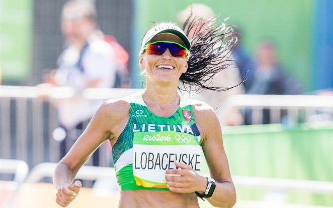 Pusę pasaulio išmaišiusi maratonininkė D. Lobačevskė Londone sieks rekordo