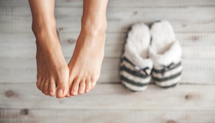 Svarbiausias Vangos patarimas: prieš miegą plaukite kojas šaltu vandeniu
