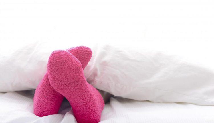 Kodėl prieš miegą vertą užsimauti kojines